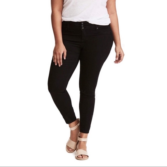 2844c15d7577e TORRID premium stretch black jeggings 18R